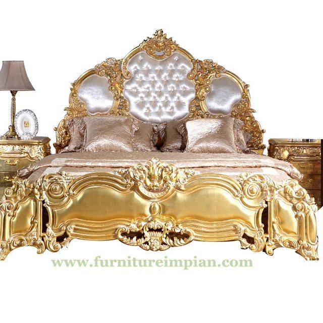 Kamar Tidur Pengantin Emas Jog Putih
