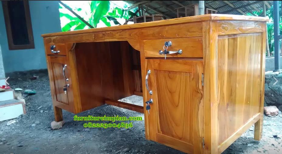 Meja kantor simpel kayu jati minimalis
