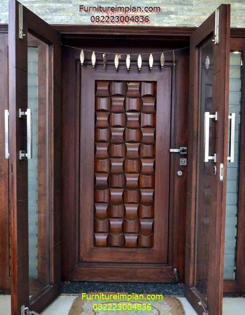 Pintu utama kuputarung kaca jati